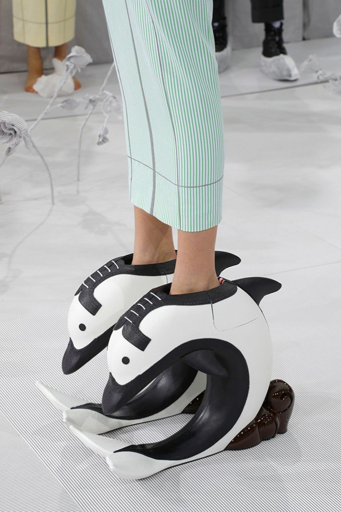 dolphin pedestal shoes, Thom Browne spring '20 show, ss2020, pfw, dolphin shoes