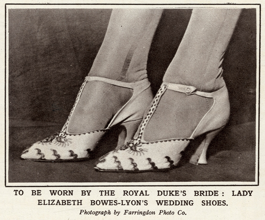 1920s Fashion Trends: Shoes, Flapper Style & More – Footwear News