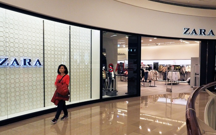 The store of Spanish fashoin retailer Zara in the Taipei 101 skyscraper in Taipei, Taiwan, 13 January 2018. Taiwan's Mainland Affairs Council on 12 January 2018, blasted China for cracking down on foreign firms whose websites list Taiwan as a country. 'The Republic of China (ROC, Taiwan's formal title) is a sovereign country. The international community has lauded Taiwan's democracy, freedom and rule of law. China's unilateral statements or actions can not change this fact,' the council said in a statement. Since 11 January 2018, China, which sees Taiwan as its breakaway province, has cracked down on foreign firms which list Taiwan, Hong Kong or Macau as a country on their website. So far the Marriott hotel chain and Delta Airlines have apologised while fashion brand Zara and medical device maker Medtronic Pkc have yet to respond.Taiwan condemns China's barring foreign companies from listing Taiwan as 'country', Taipei - 13 Jan 2018