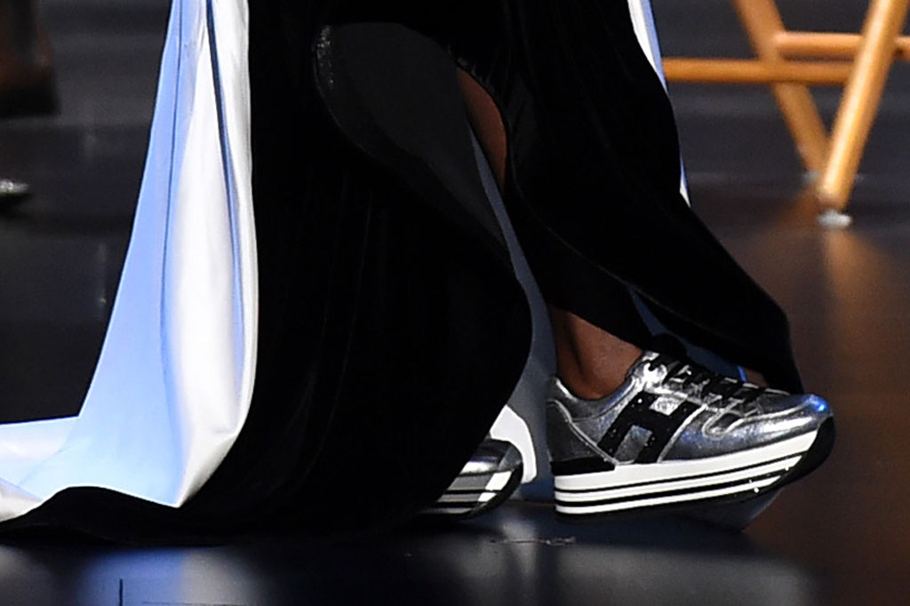 Viola Davis, red carpet, primetime emmy awards, silver sneakers, hogan, metallic trainers