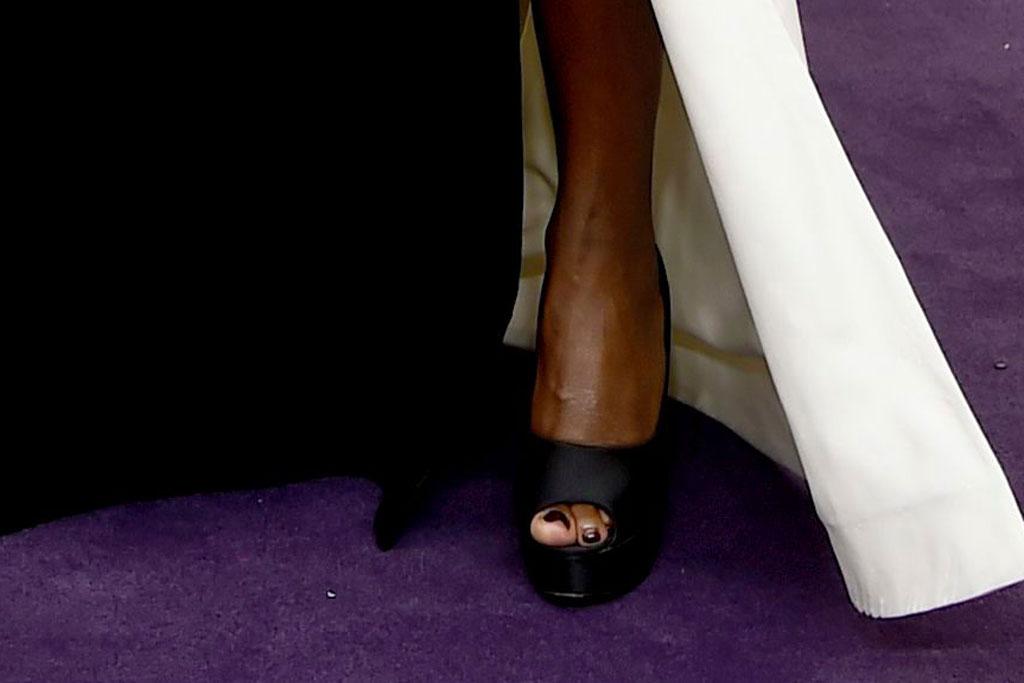 Viola Davis, primetime emmy awards, Stuart weitzman, sandals, pedicure, toes,