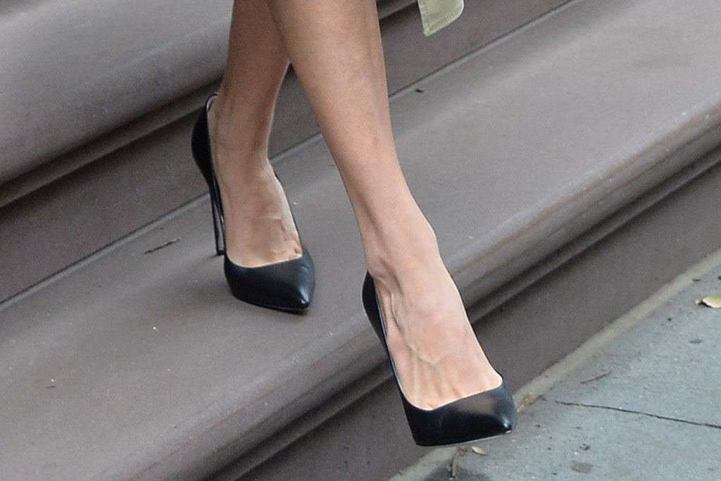 Amal Clooney, celebrity style, power pumps, stilettos, high heels, feet, shoe style, street style, New York city,