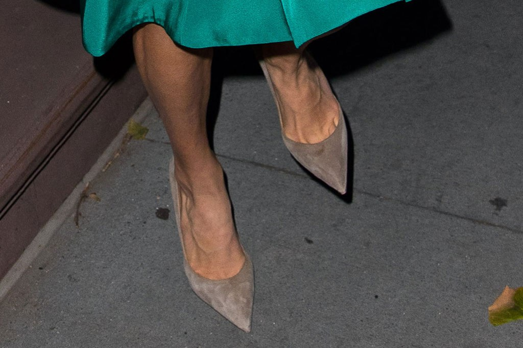 Amal Clooney, street style, nyc, shoe styles, gray pumps, suede pumps