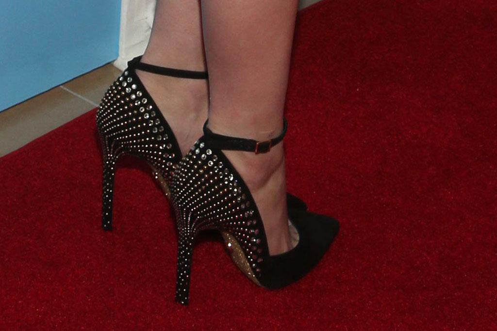 Ariel Winter, Mary Janes, crystal-covered pumps, red carpet, American humane hero dog awards