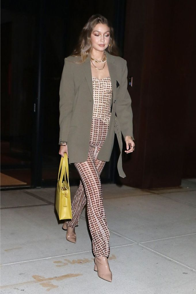 bella hadid, birthday, new york, bella hadid 23rd birthday, Gigi Hadid