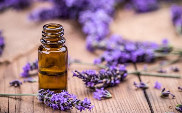 best-lavender-essential-oils-feet