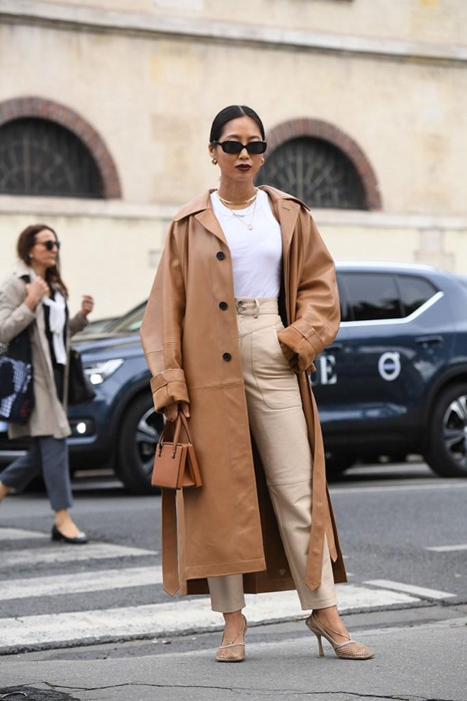 Street Style, Spring Summer 2020, Paris Fashion Week, Bottega Veneta mesh pumps