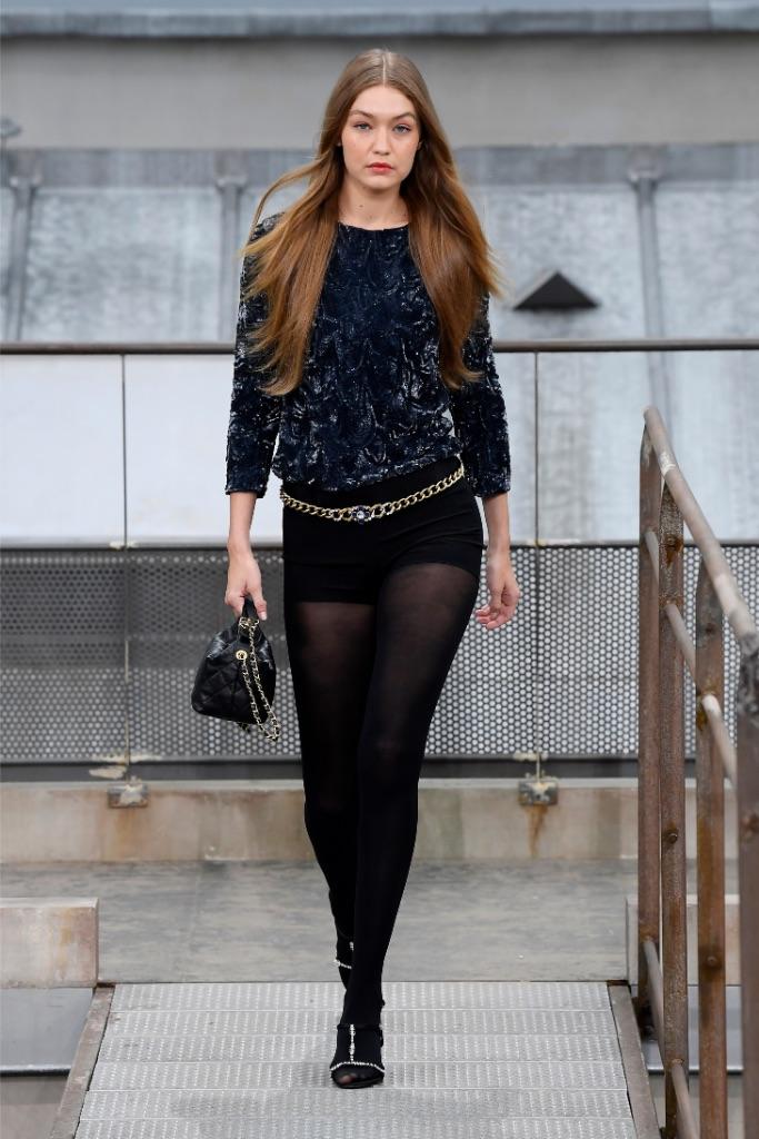Gigi Hadid , chanel, spring 2020, runway, pfw