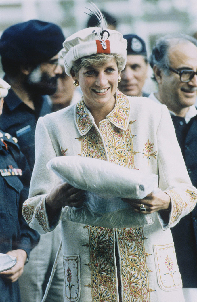 Princess Diana in Pakistan in 1991. Spot the resemblance to Kate Middleton's traditional Chitrali hat and cloak look today.