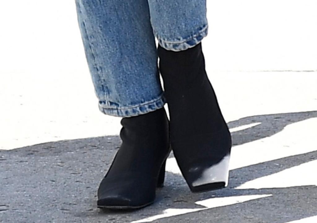 Emily Ratajkowski boots