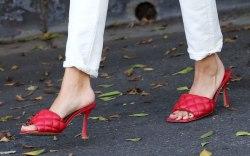 Hailey Baldwin, Hailey Bieber, red sandals,