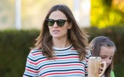 Jennifer Garner, celebrity style, striped sweater,