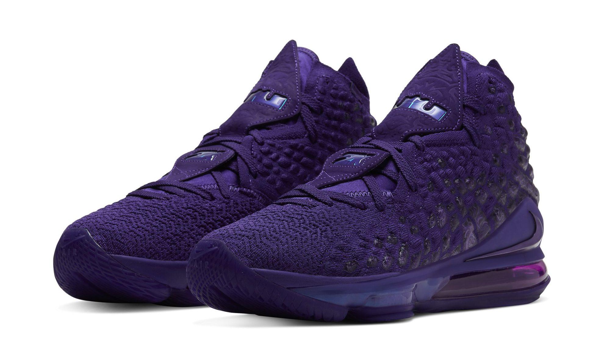 nike lebron purple shoes