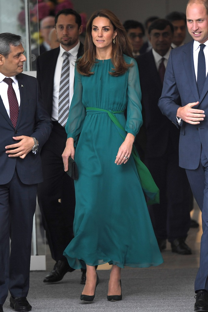 Kate Middleton, ARoss Girl x Soler dress, teal dress, emmy London shoes, court shoes, stilettos, celebrity style, emmy London clutch, Catherine Duchess of CambridgePrince William and Catherine Duchess of Cambridge visit to the Aga Khan Centre, London, UK - 02 Oct 2019Catherine Duchess of Cambridge attends a special event hosted by His Highness The Aga Khan at the Aga Khan Centre in London, ahead of Their Royal HighnessesÕ official visit to Pakistan Wearing Zeen (Pakistani Designer)Catherine Duchess of CambridgePrince William and Catherine Duchess of Cambridge visit to the Aga Khan Centre, London, UK - 02 Oct 2019The Duke and Duchess of Cambridge will attend a special event hosted by His Highness The Aga Khan at the Aga Khan Centre. The event falls ahead of Their Royal Highnesses' official visit to Pakistan, which will take place between Monday 14th and Friday 18th October.Organised in cooperation with the High Commission of Pakistan, the event will showcase modern Pakistani culture and will allow The Duke and Duchess to meet a range of people from Pakistan, including community leaders, those involved in British and Pakistani business, and key figures within the Diaspora community, including musicians, chefs and artists.
