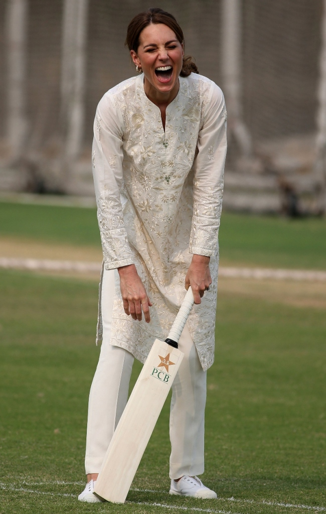 trotters sneakers, lahore, pakistan, kate middtleton, duchess of cambridge, duchess, all white, cricket, gul ahmed, maheem khan