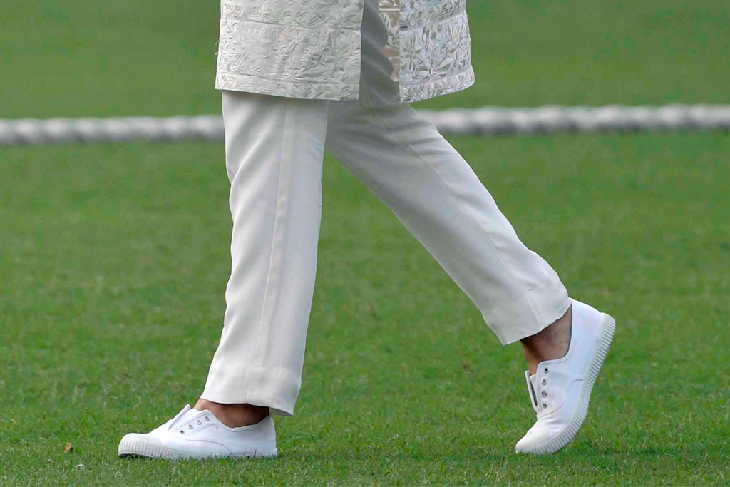 trotters sneakers, lahore, pakistan, kate middtleton, duchess of cambridge, duchess, all white
