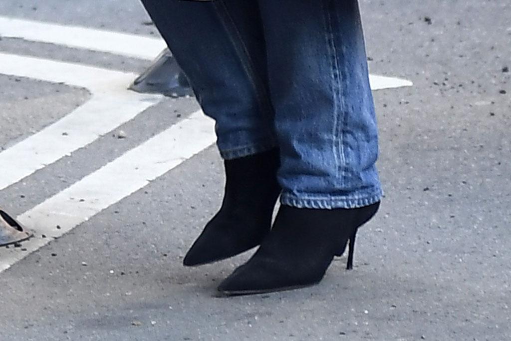 Katie Holmes, black boots, stilettos, celebrity style, new york city, street style, shoes