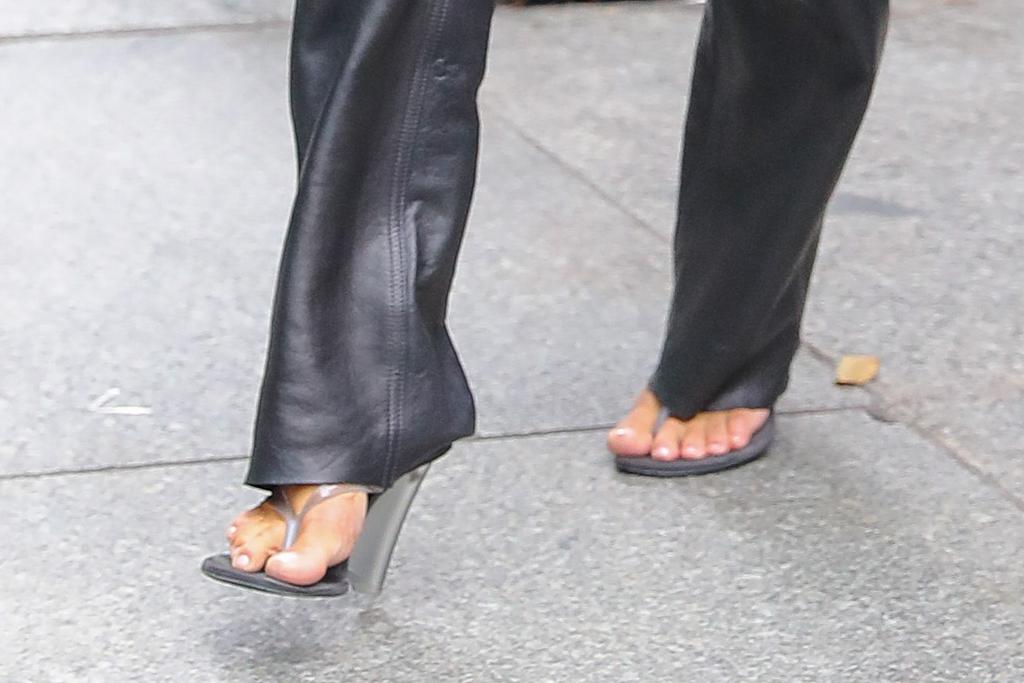 kim kardashian, kanye west, new york, milos, thong sandals, yeezy sneakers, feet