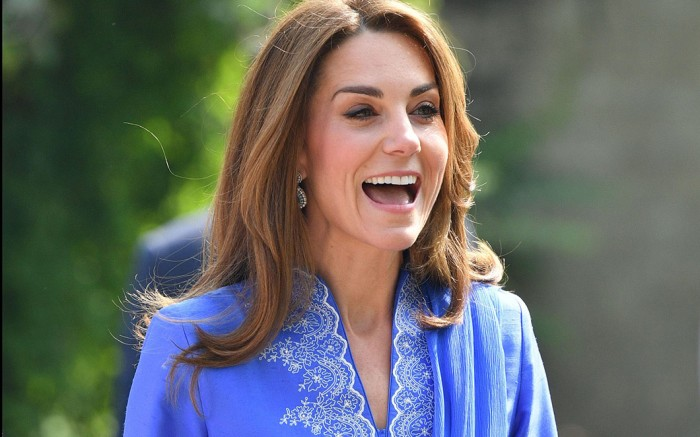 Kate Middleton wears $38 New Look pumps for a visit to a school in Pakistan.