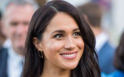 Meghan Markle, celebrity style, royal fashion,