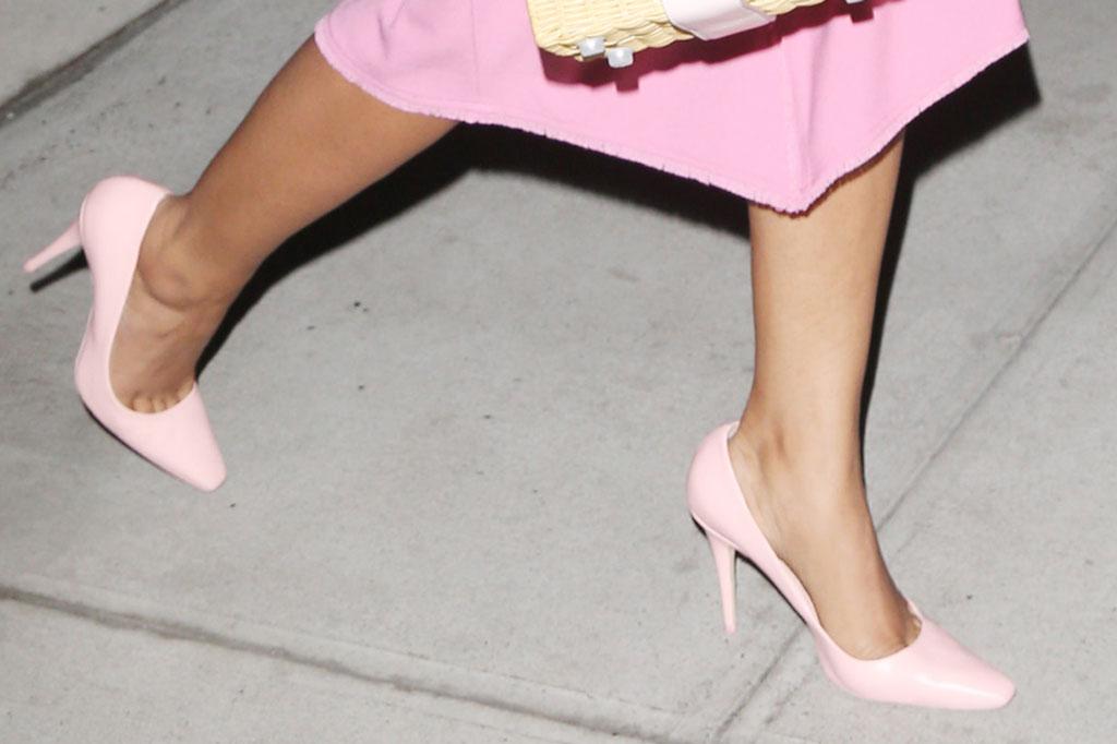 priyanka Chopra, stilettos, high heels, shoe style, pointy toed pumps, street style, New York city