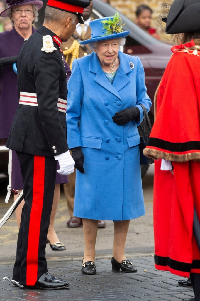 queen elizabeth, london, blue jacket, blue hat, haig housing trust