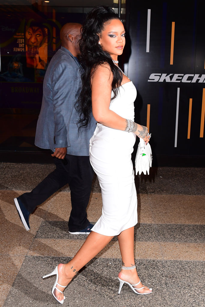 Rihanna, white dress, high-heeled thong sandals, celebrity style, street style, legs, tight dress, jewelry, mini bag, New York