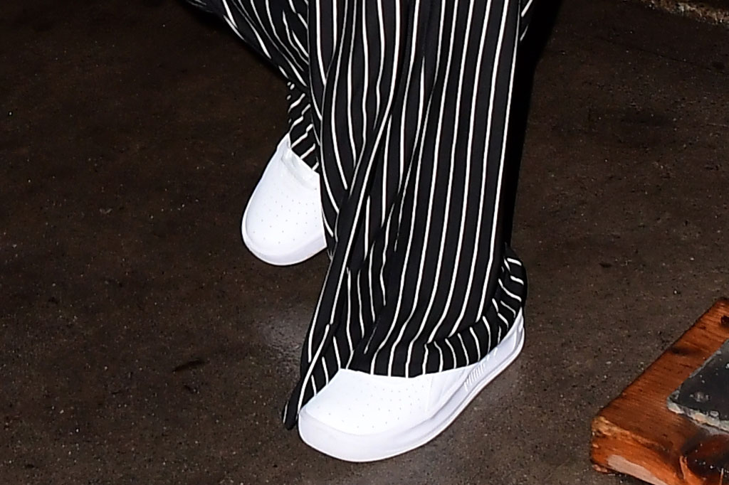 Selena Gomez, puma, white sneakers, pajamas, black and white, nyc, street style, celebrity style, october 2019