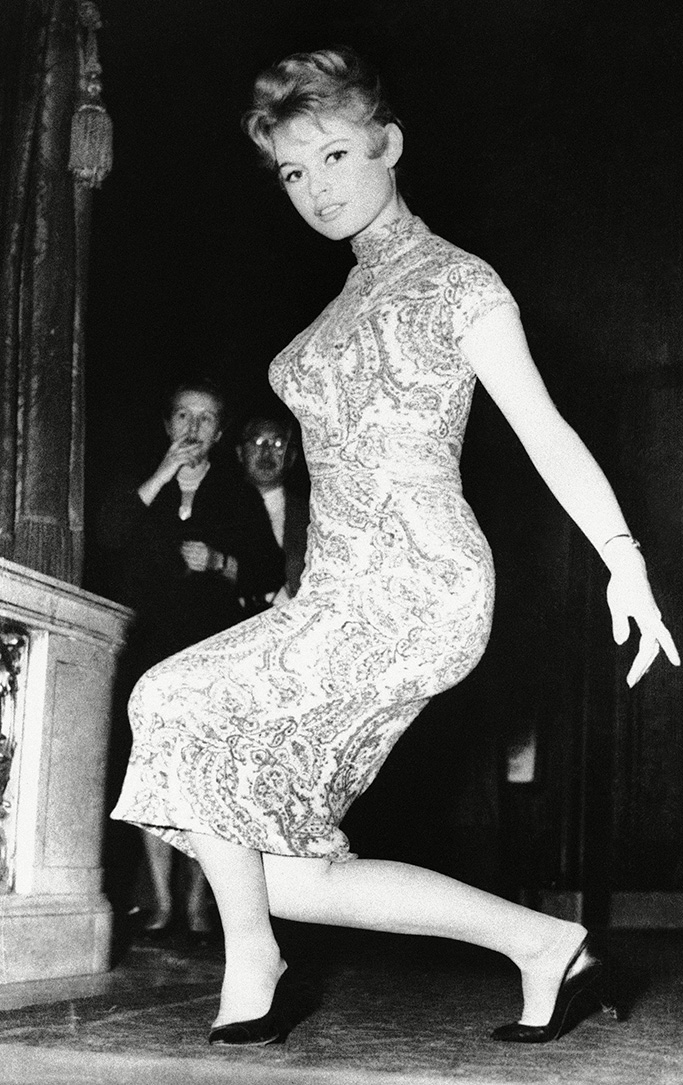 Brigitte Bardot French film actress Brigitte Bardot put all her zing into her practice as she rehearsed her curtsey at the Empire Theatre, Leicester Square in London, in preparation for the royal film performance on October 29 when she will be presented to Queen Elizabeth. Eventually Brigitte got it perfectBrigitte Bardot, London, Xen Gbr