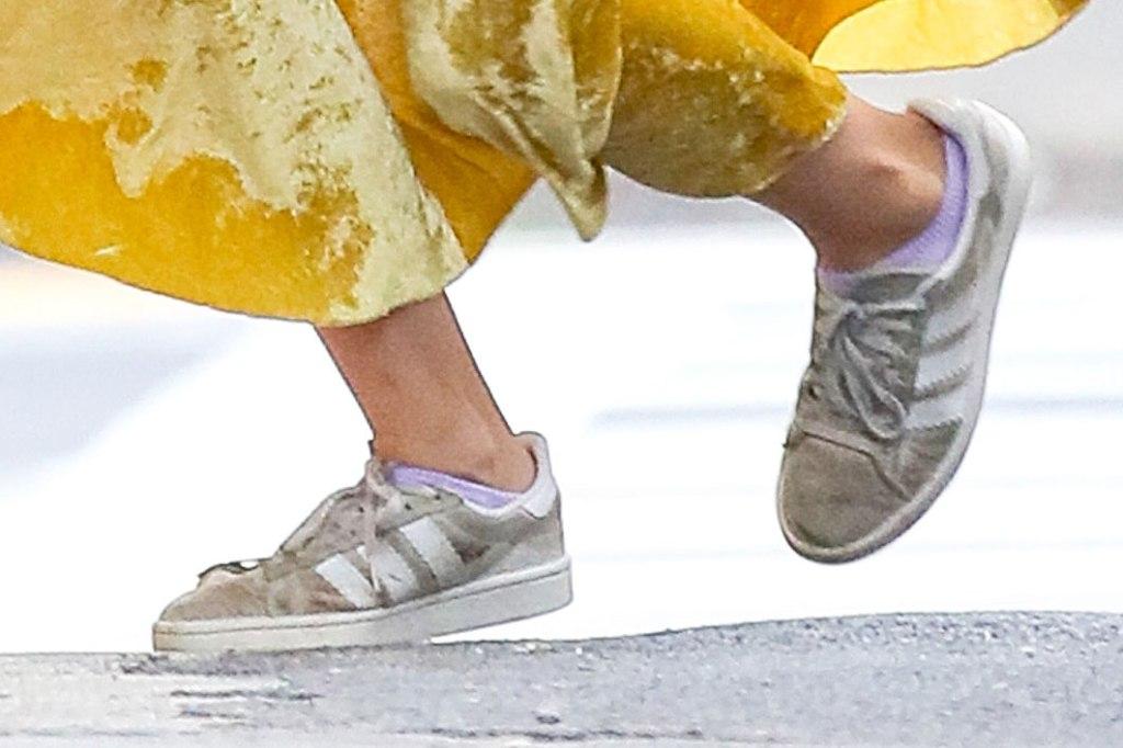 Suri Cruise, Adidas gazelle, sneakers, bargain shoes, celebrity style, street style, nyc