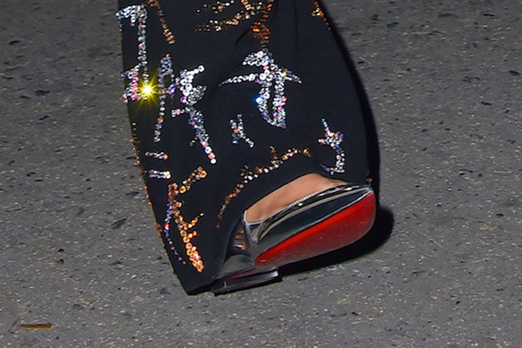 Taylor Swift, christian louboutin, silver shoes, after party, Saturday night live, celebrity style, nyc, Joe Alwyn