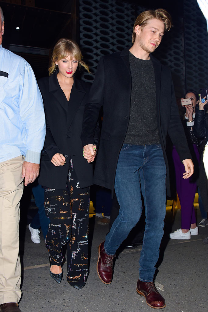 Taylor Swift S In Louboutin Shoes At Saturday Night Live After Party Footwear News