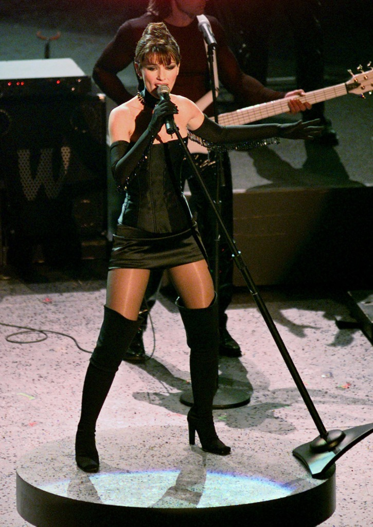 "Shania Twain, black minidress, lbd, thigh-high boots, legs, gloves, throwback, performs ""Man, I Feel Like a Woman"" during the 41st annual Grammy Awards at the Shrine Auditorium in Los AngelesGRAMMYS, LOS ANGELES, USA"