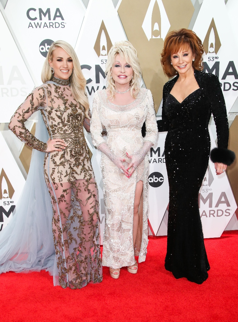 cma awards, nashville, carrie underwood, host, gold dress, dolly parton, reba mcentire