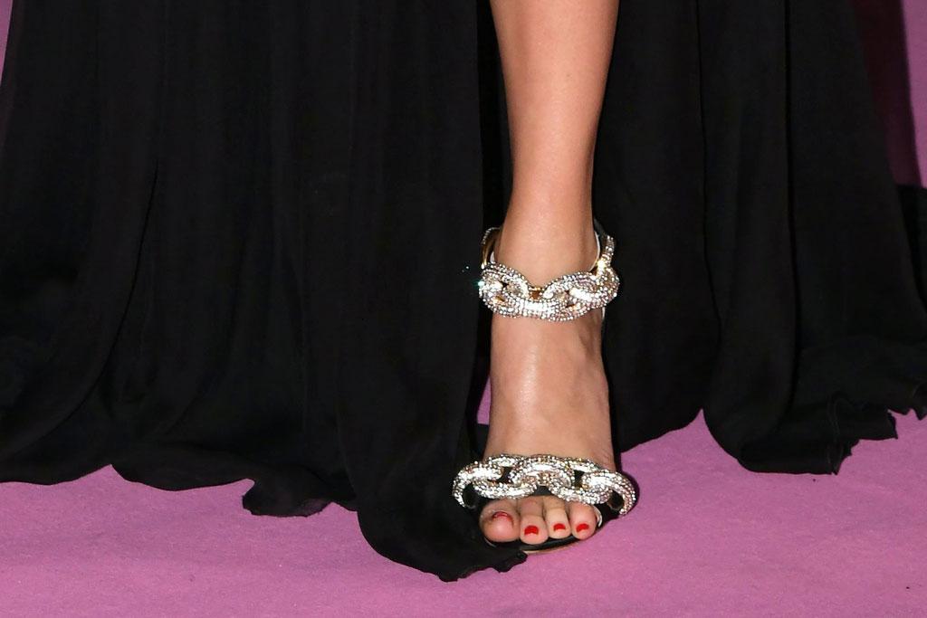 Giambattista Valli, chiara ferragni, sandals, pedicure, red nail polish, toenails, celebrity shoe style, feet, red carpet, chiara ferragni unposted, premiere