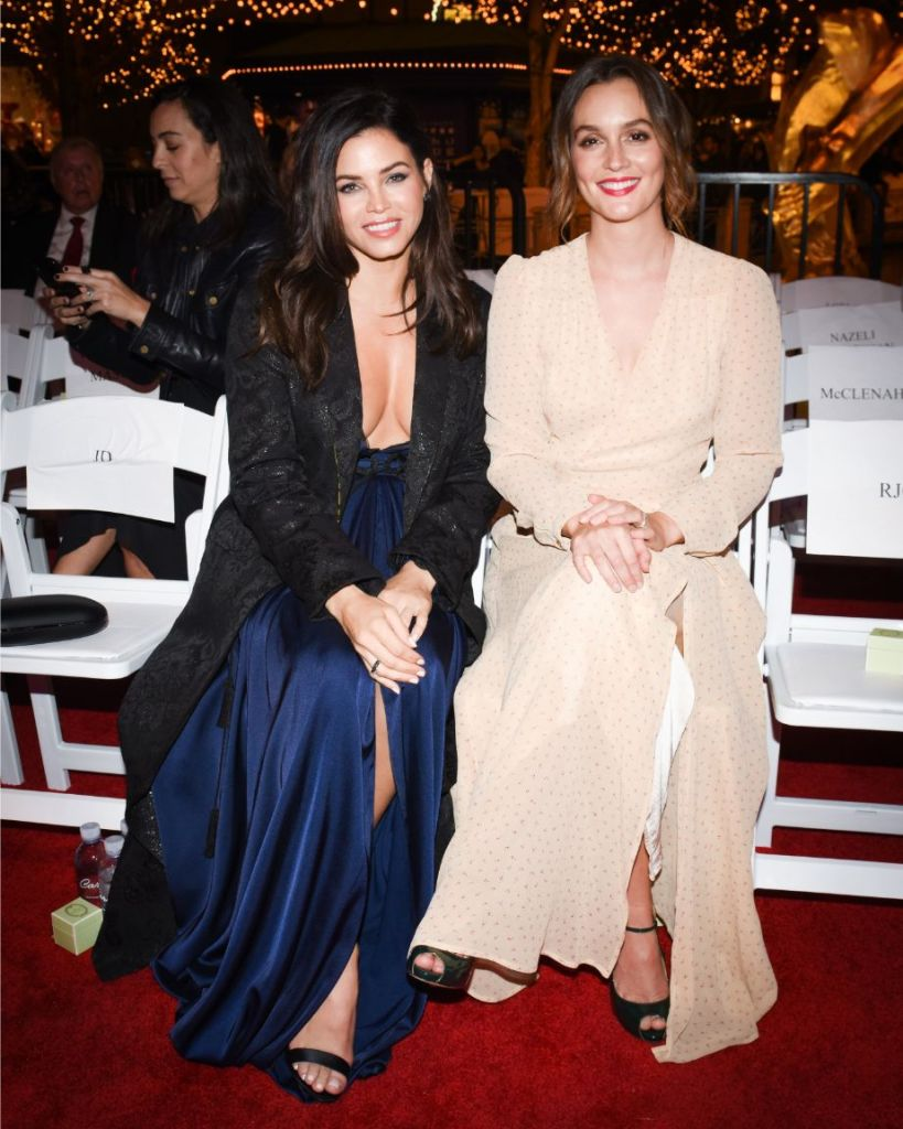 at the Americana at Brand Annual Christmas Show in Glendale, Calif., Nov. 14., jenna dewan, leighton meester