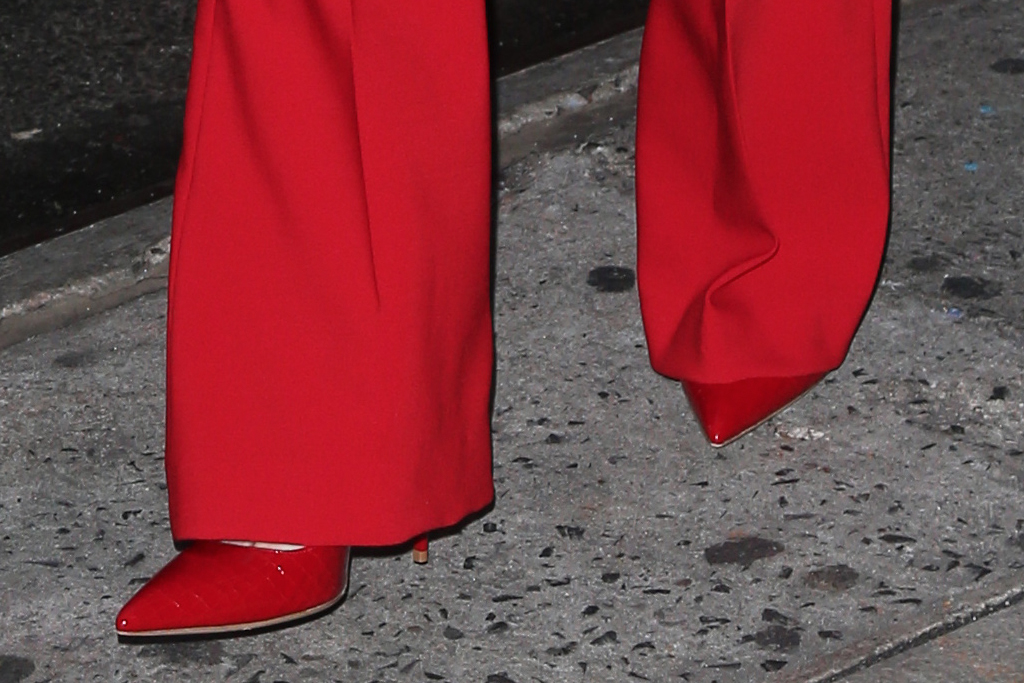 daisy ridley, star wars, GMA, good morning america, red suit, red heels