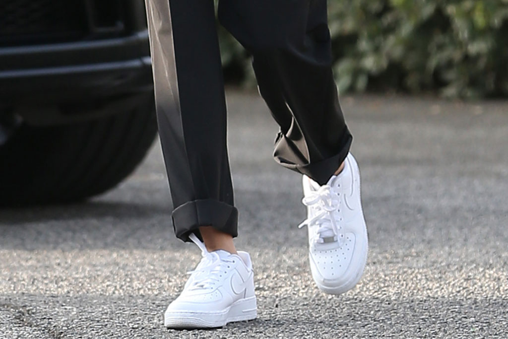 Hailey Baldwin, Nike, Air Force 1, athleisure, sneakers
