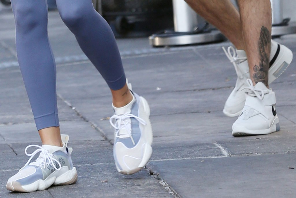 Hailey Baldwin, Justin Bieber, white sneakers, los angeles, celebrity style, street style, athleisure, white sneaker trend