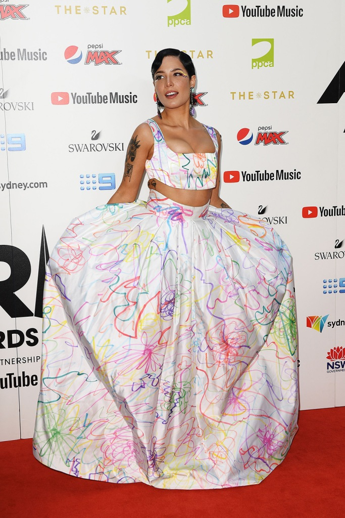 Halsey, collina strada, crop top, abs, stomach, skirt, red carpet, aria awards, arrives at the 33rd Annual ARIA Music Awards at The Star in Sydney, Australia, 27 November 2019.33rd ARIA Music Awards, Sydney, Australia - 27 Nov 2019