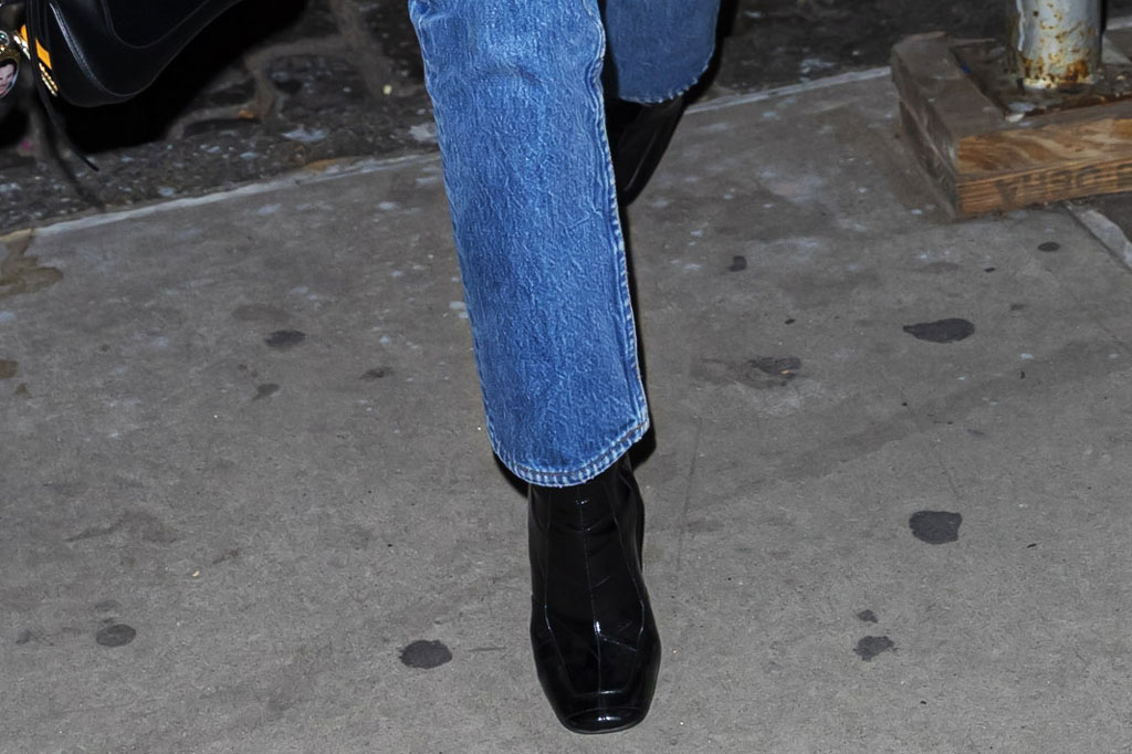 Kaia Gerber, black boots, celebrity style, square toes, straight leg jeans, celebrity style, nyc