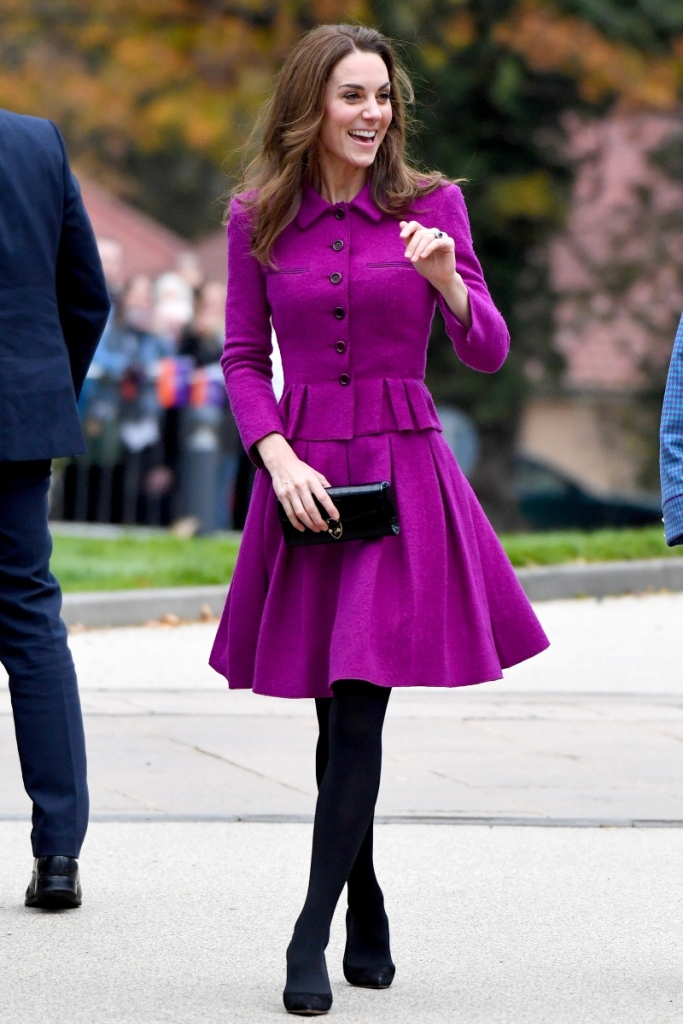 kate middleton, duchess of cambridge, pink dress, black heels