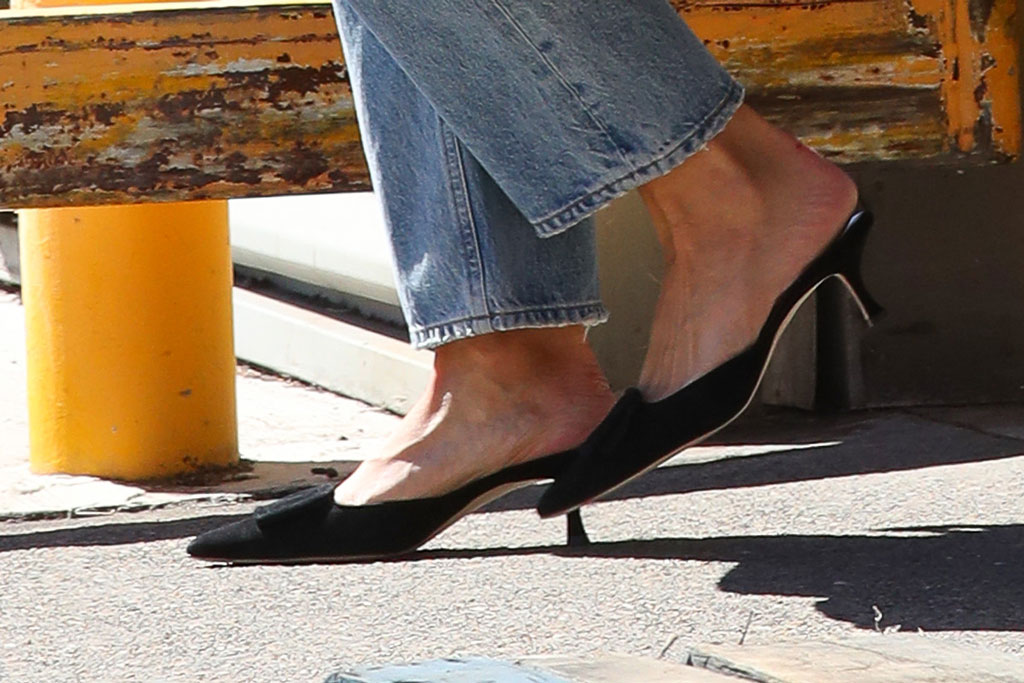 Katie Holmes, kitten heels, black pumps, mules, celebrity style, mom jeans, sydney, australia, november 2019