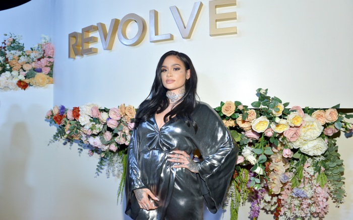 Kehlani makes a show-stopping entrance at the Revolve Awards 2019.