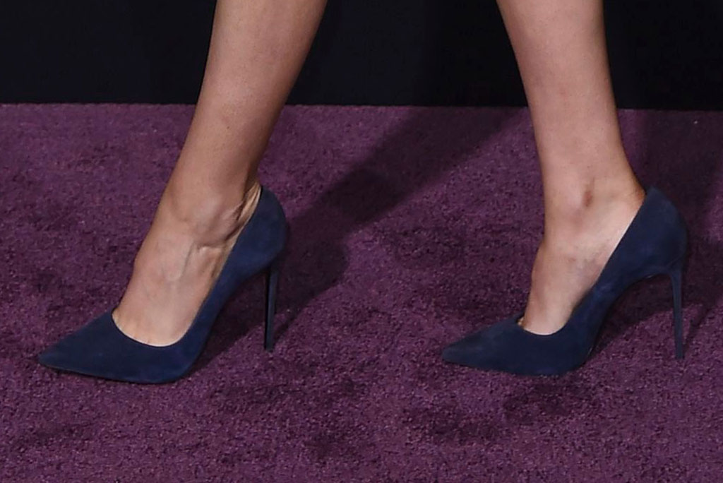 Kristen Stewart, red carpet, le silla pumps, blue pumps, high heels, red carpet, charlies angels premiere, los angeles, november 2019