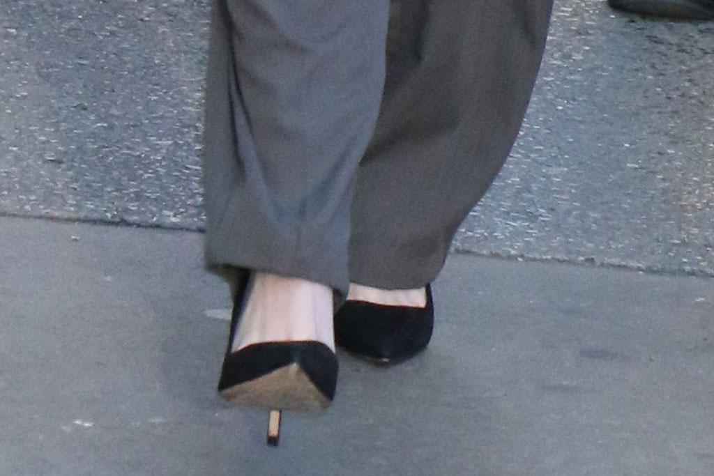 Kristen Stewart, classic black pumps, stilettos, good morning america, nyc, gray pants