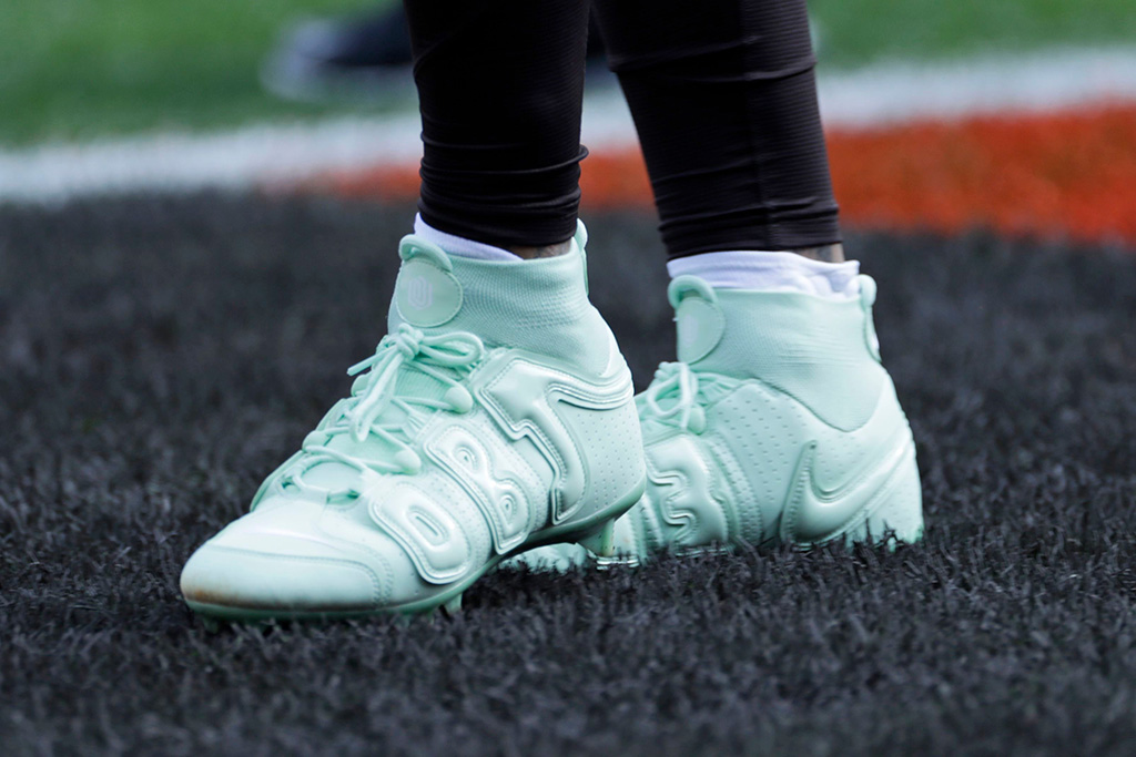 odell beckham jr, Nike Vapor Untouchable Pro 3 OBJ Uptempo Cleat, custom cleats, mint green cleats, OBJ, Cleveland Browns, wide receiver Odell Beckham Jr. warms-up before an NFL football game between the Buffalo Bills and the Cleveland Browns, in ClevelandBills Browns Football, Cleveland, USA - 10 Nov 2019Cleveland Browns wide receiver Odell Beckham Jr.'s cleats are shown before an NFL football game between the Buffalo Bills and the Cleveland Browns, in ClevelandBills Browns Football, Cleveland, USA - 10 Nov 2019