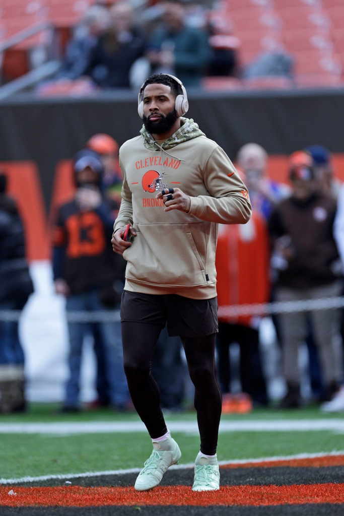 odell beckham jr, Nike Vapor Untouchable Pro 3 OBJ Uptempo Cleat, custom cleats, mint green cleats, OBJ, Cleveland Browns, wide receiver Odell Beckham Jr. warms-up before an NFL football game between the Buffalo Bills and the Cleveland Browns, in ClevelandBills Browns Football, Cleveland, USA - 10 Nov 2019