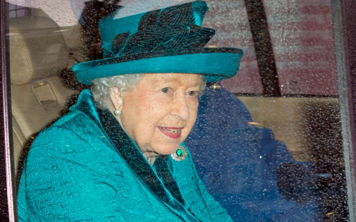 queen-elizabeth-all-blue