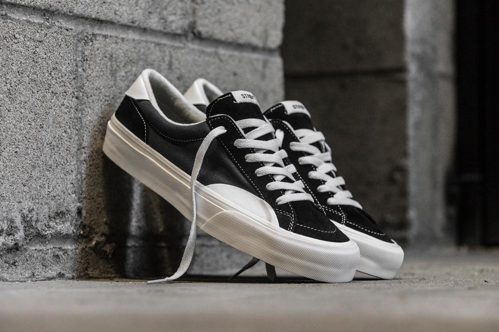 Straye – Footwear News